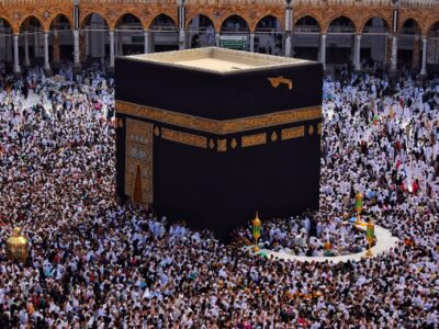Masjid-ul-Haram and Masjid-e-Nabawi announced to be fully opened by Saudi Government